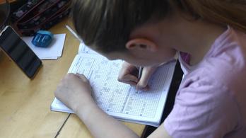 Digitális oktatás: butít és nyomorba dönt
