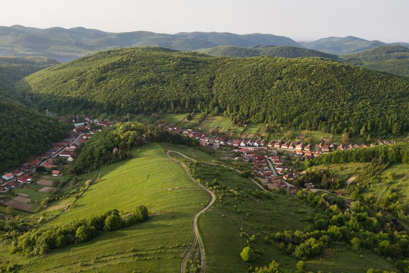 Magyarország legszebb szerpentinútjai: varázslatos tájakon kanyarognak végig