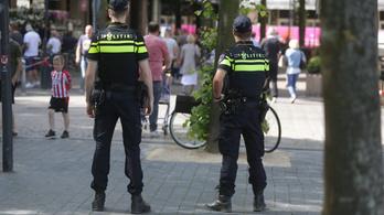 Kémkedéssel vádolt orosz diplomatákat utasítottak ki Hollandiából