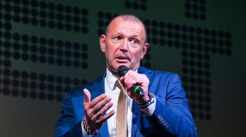 Győrfi Pál azt tanácsolja a kormányszóvivőnek, hogy ne egyen túl sokat