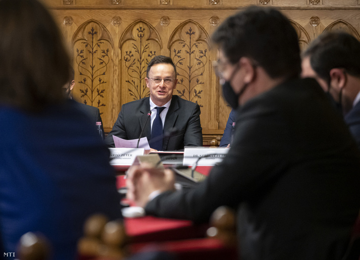 Szijjártó Péter külgazdasági és külügyminiszter éves meghallgatásán az Országgyűlésben, 2020. december 10-én.