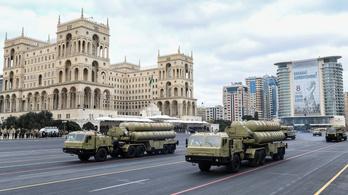 Katonai parádéval ünnepelték az azeriek a győzelmüket