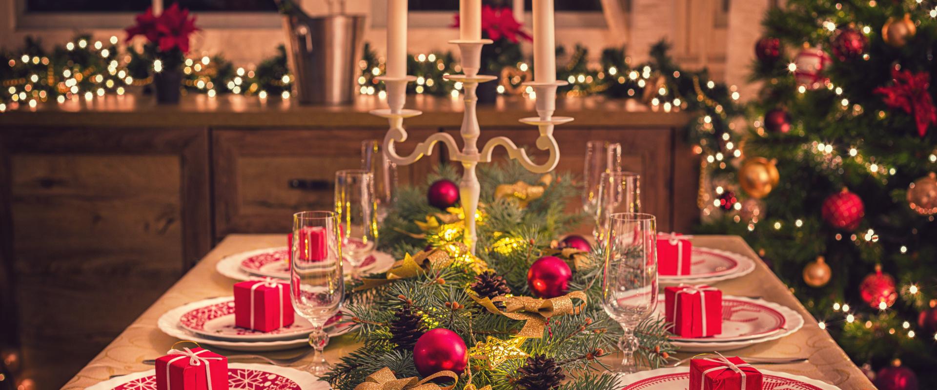 karácsonyi ünnepi asztal cover