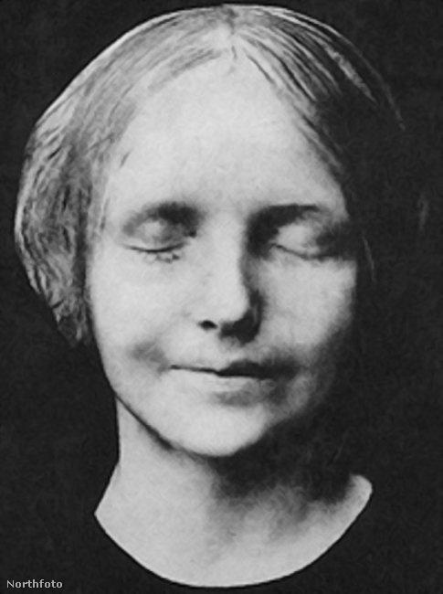 Ennek a rejtélyes, név nélküli nőnek az arca látható az újjáélesztéskor használt bábukon