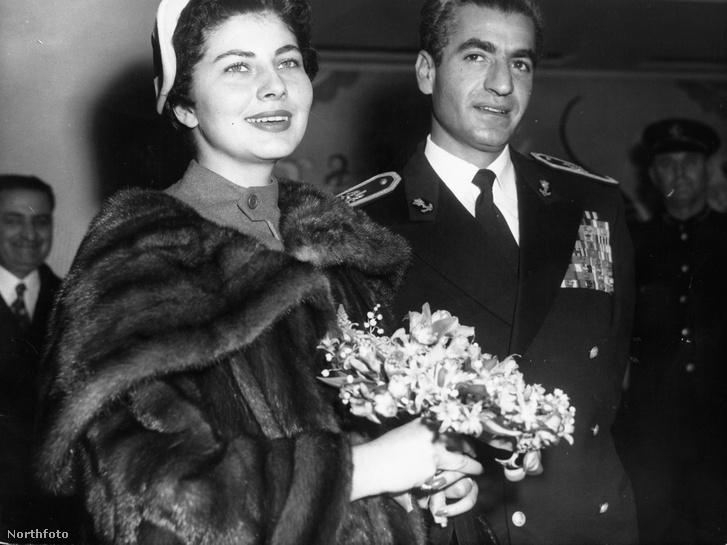 Reza Pahlavi és felesége