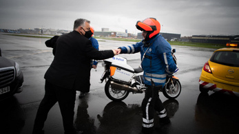 Orbán Viktor hazaindult Brüsszelből