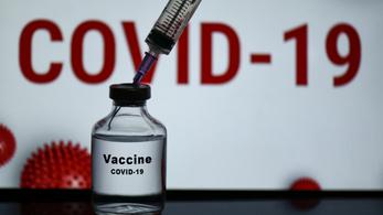 Együtt tesztelik az AstraZeneca és az oroszok vakcináját