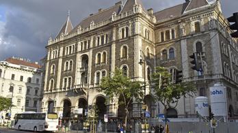 Pokoli paloták: eltűnnek végre Budapest szégyenfoltjai?