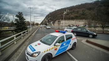 Akasztják a hóhért: szabálysértő rendőröket büntettek