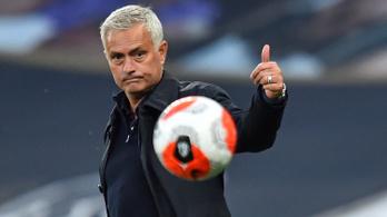 José Mourinho 13 év után újra a hónap menedzsere