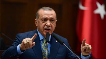 """Erdoğan felszólította az örmény vezetőket, hogy """"térjenek észhez"""""""