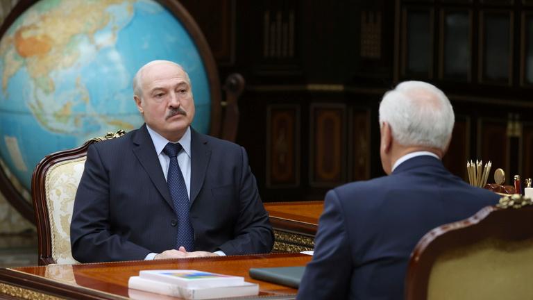 Forgatókönyvek 2021-re: így maradhat hatalmon Lukasenko