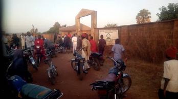 Több mint ötven diákot raboltak el Nigériában