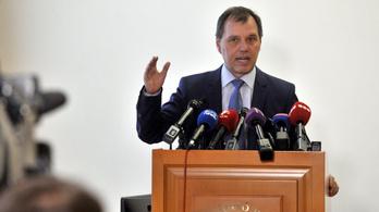 Szlávik: a vakcinák nem módosítják az emberi génállományt