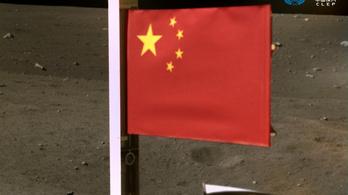 Úton van a Földre a Holdon gyűjtött kőzetmintákkal a kínai űrszonda