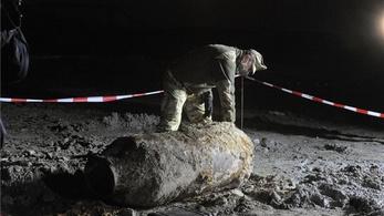 Hatástalanították az egytonnás légibombát a Kvassay hídnál