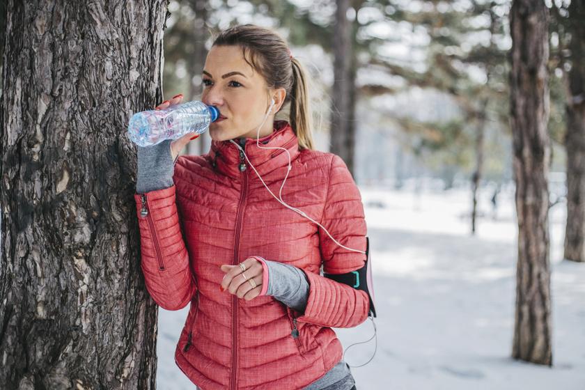 Télen több vizet veszít a szervezet: 4 hasznos tanács a kiszáradás ellen