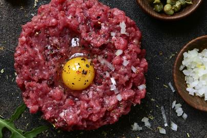 A tökéletes tatár beefsteak receptje - A hús minőségén áll vagy bukik