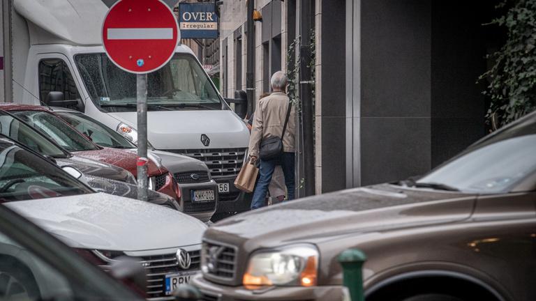 Nem csillapodik a vita az ingyenes parkolás körül
