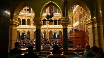 Megszavazta a parlament a választási törvény módosítását