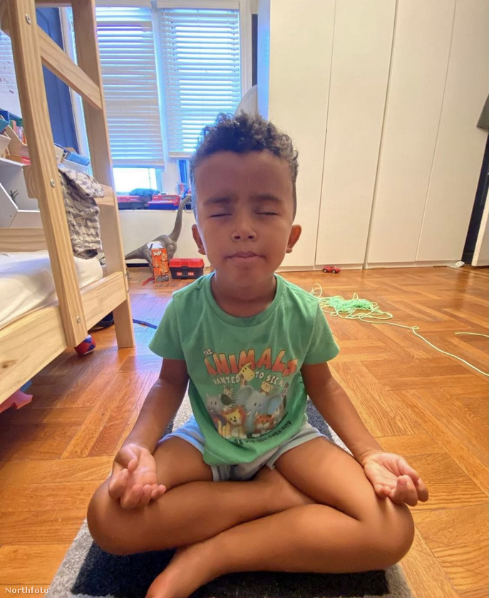 A kisfiú másfél éves kora óta meditál rendszeresen, de általában egyszerre csak öt percig szokott