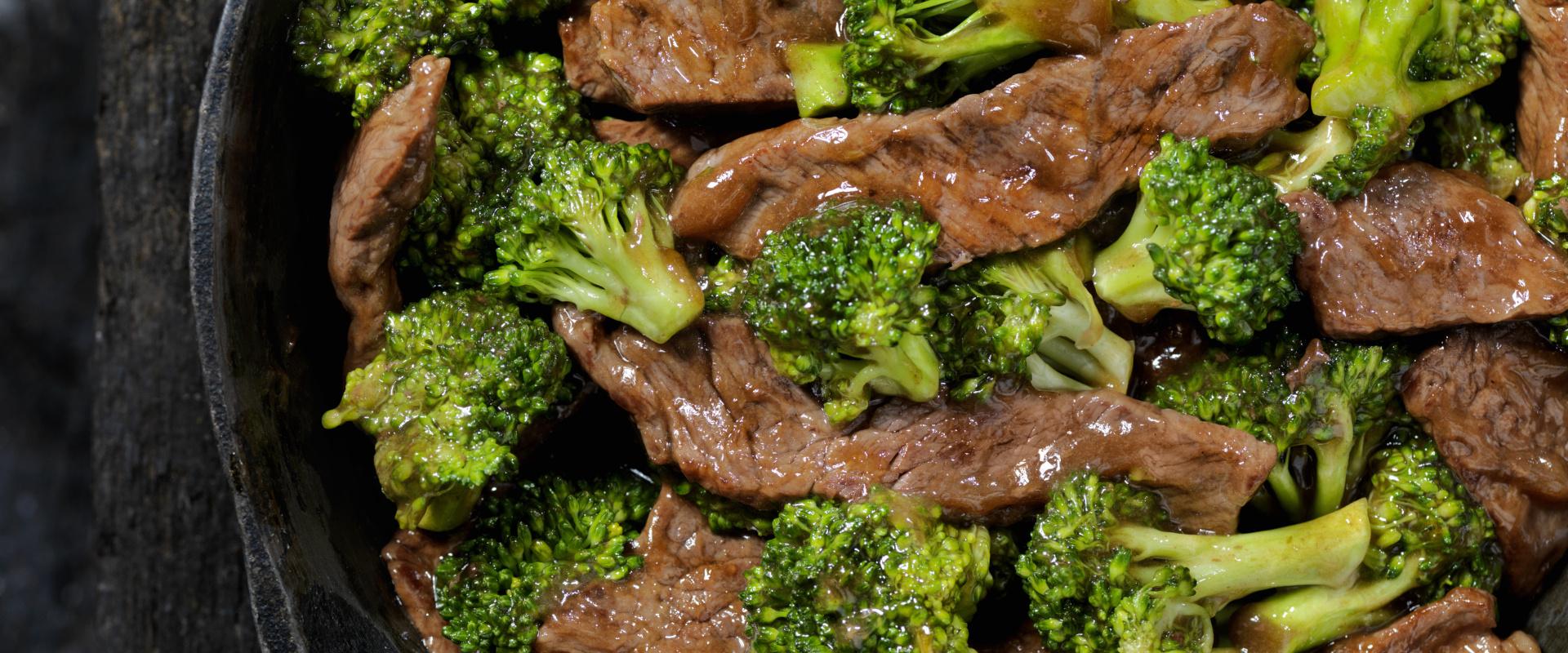 egyserpenyős pirított marhahús brokkolival cover ok