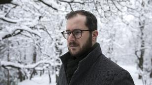 Krusovszky Dénes: Ünnepélyes olvasás helyett lépj partneri szituációba a verssel