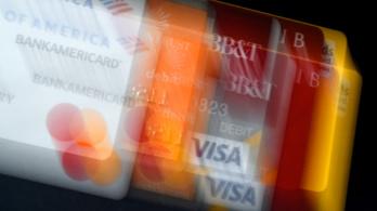 Nőtt a bankkártyahasználat, készpénzt ritkábban vesznek fel az emberek