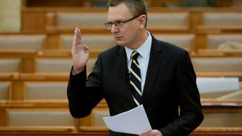 Rétvári: Előbb eresztene muszlim migránsokat a magyarokra Gyurcsány, mint hogy támogatná a keresztény kultúrát
