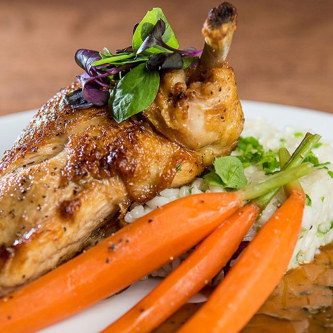 Ha így darabolod és sütöd a csirkemellet, nem szárad ki - Egy apró trükkön múlik
