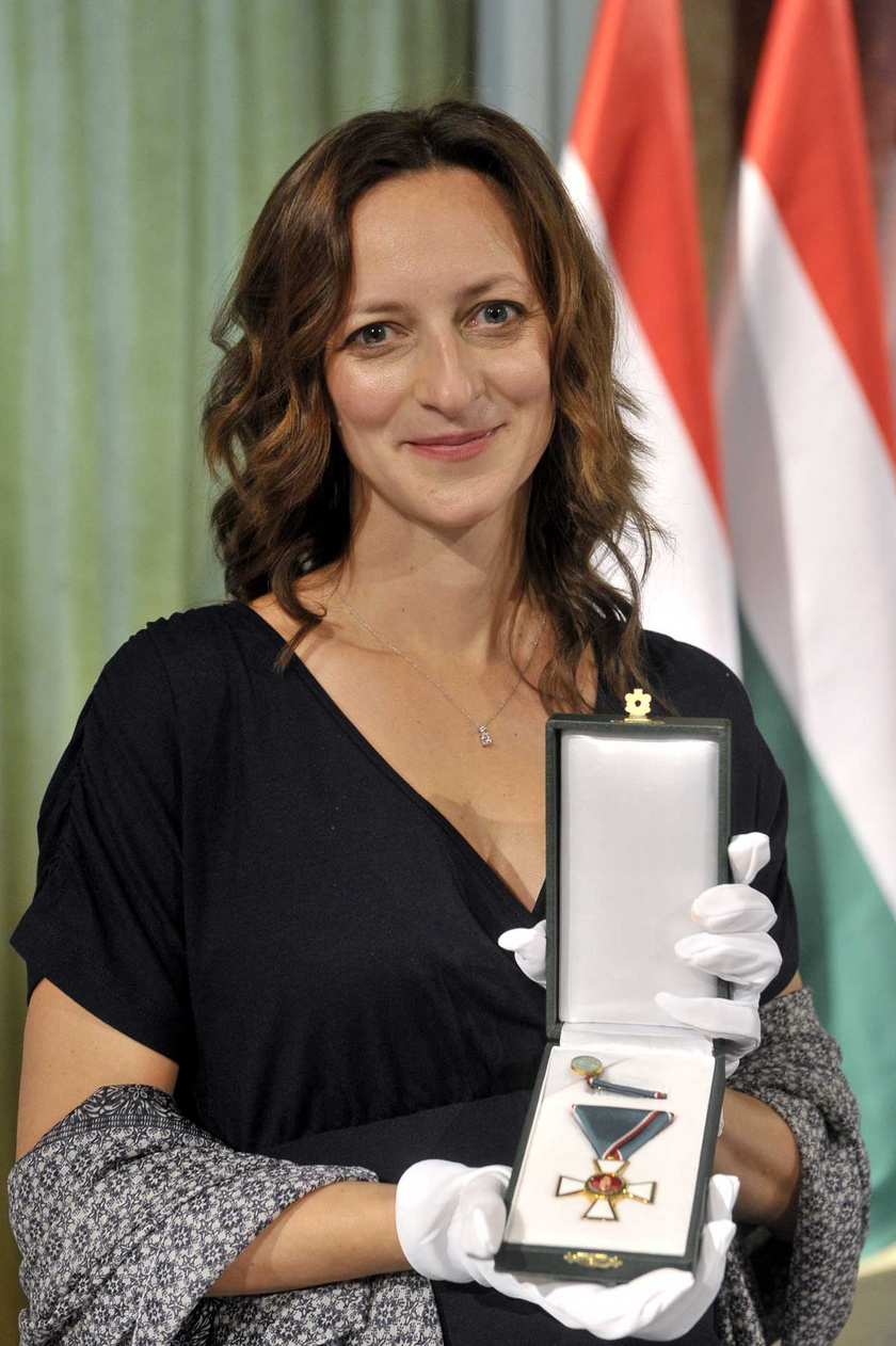 2020. október 26-án átvehette a Magyar Érdemrend Lovagkereszt polgári tagozat kitüntetést a Pesti Vigadóban rendezett ünnepségen.