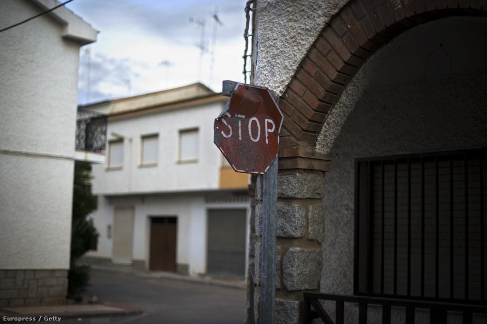 Nem csak a gyárban, a városkában is megállt az élet. Vannak olyan városrészek, amelyekben csak a lakások egyötödében élnek.