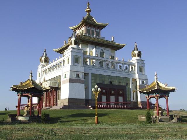 Eliszta, az európai buddhista főváros