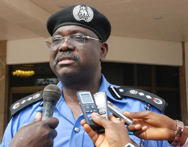 Nigéria rendőrfőkapitánya nyilatkozik egy a Boko Haram által elkövetett iskolai robbantás után.