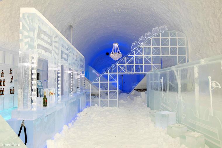 Harmincegyedszerre is felépítették a jukkasjärvi jéghotelt