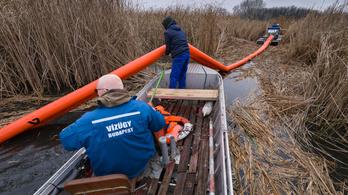 Vízszennyezés a Ráckevei-Dunánál: kétmillió forint jár a nyomravezetőnek