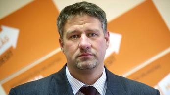 Simonka mentelmi jogának felfüggesztését kéri a legfőbb ügyész