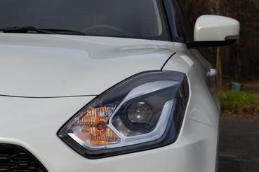Alapáron full-LED a fényszóró, ebben a GLX felszereltségben automata is