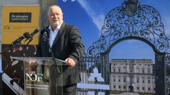 Korrupciós ügyekről kérdezték a fideszes Kovács Sándort, válaszul boldog karácsonyt kívánt