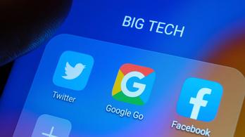 Összejátszással vádolják a Google-et és a Facebookot