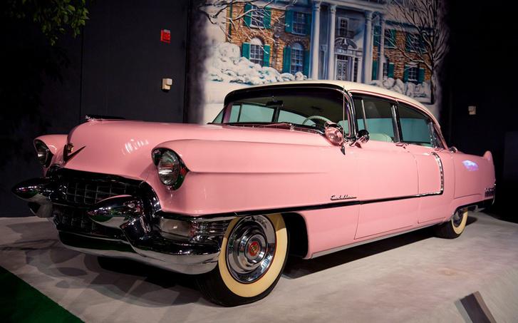 Elvis híres pink Cadillacje