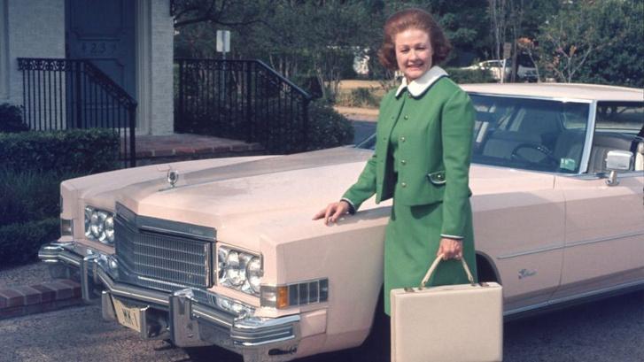 Helen McVoy, az egyik első értékesítő, aki megkapta egy Cadillac használati jogát