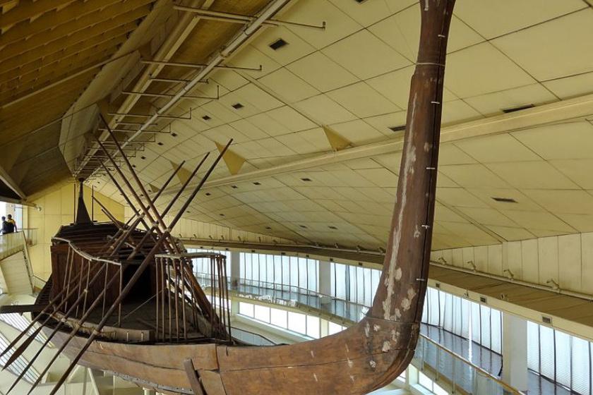 Hufu rekonstruált hajója.