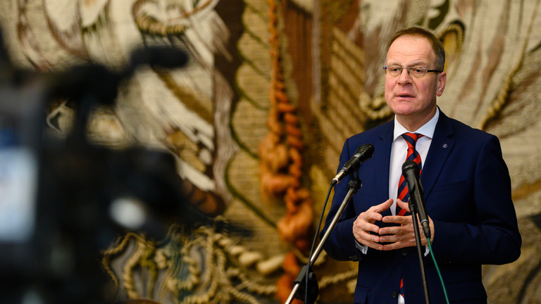 Navracsics Tibor: Egyértelmű csatavesztés a Fidesznek Deutsch Tamás jogfosztása