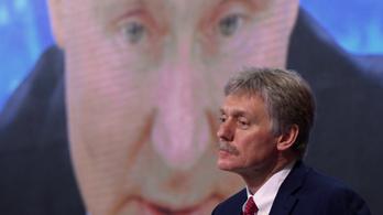 Peszkov: Nem csak Navalnijt figyelték meg