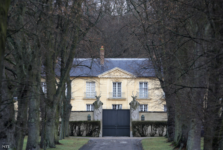 A La Lanterne vadászkastély, a francia elnök egyik hivatalos pihenőhelye a Párizs közelében fekvő Versailles-ban