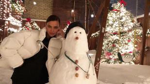 Celebek vs hó: Amy Schumer nem tudott felállni, Irina Shayk viszont hóemberrel pózolt