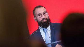 """""""Jó hír Szájernek és meztelen barátainak"""": nem száll le a botrányról a Politico"""