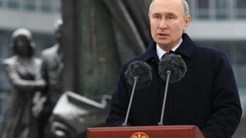 Vlagyimir Putyin szerint az orosz külföldi hírszerzés kulcsfontosságú a demokratikus fejlődés biztosításában