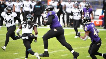Elszabadult az NFL 160 kilós buldózere, négy ember tudta csak megállítani - videó